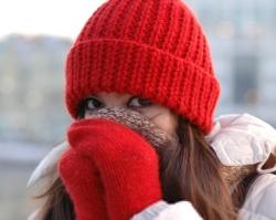Красные холодные руки.